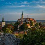 Pět míst, kam se v Česku vydat, než napadne sníh